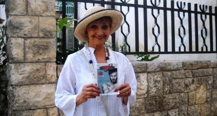 Milena Vukotic  e la sua copia di saturno22